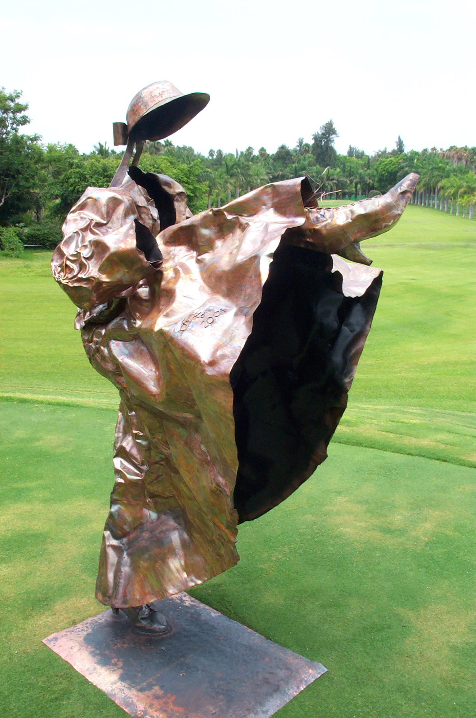 Dancer without panties 79 x 49 x 43 in Copper sheet welding & embossing